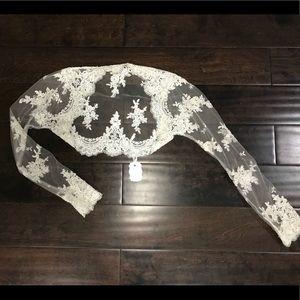 Dresses & Skirts - Exquisite lace bolero ivory shrug